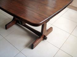 מעצבע - חידוש פוליטורה לשולחן