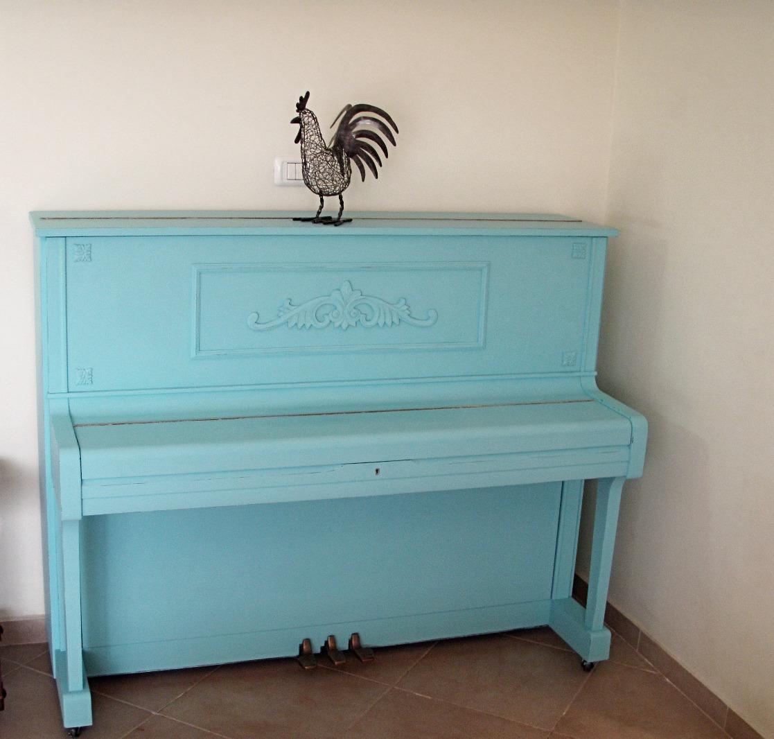 פסנתר בצבע טורקיז - מעצבע