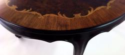 שולחן פורניר מהונגריה (פרט) - מעצבע