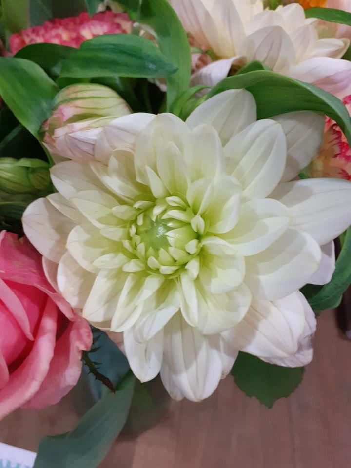 livrer des fleurs de saisons à Paris.