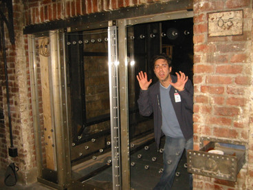 Red Dragon Hannibal Lecters Cell Universal Backlot 2002