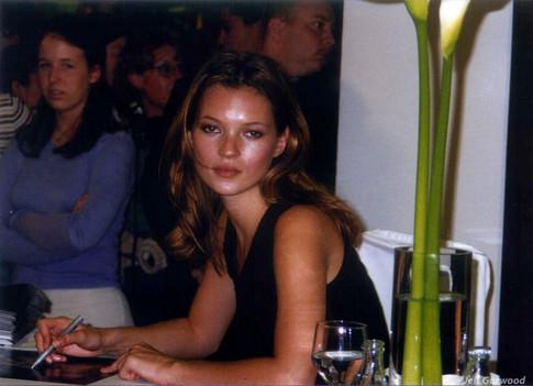 Kate Moss Santa Monica Mall 1997