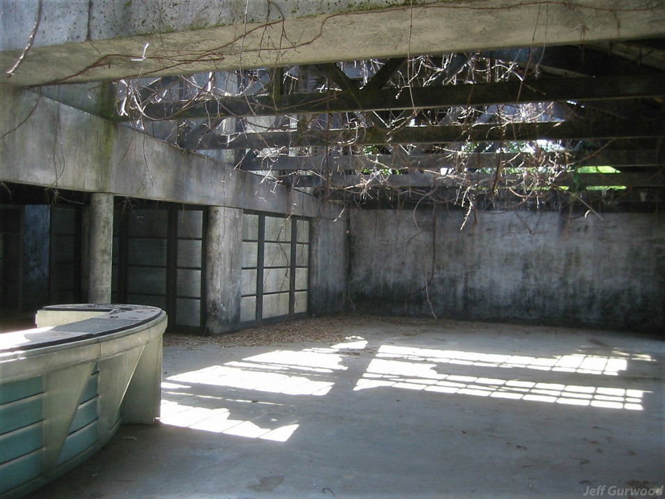Inside Jurassic set 2 2002