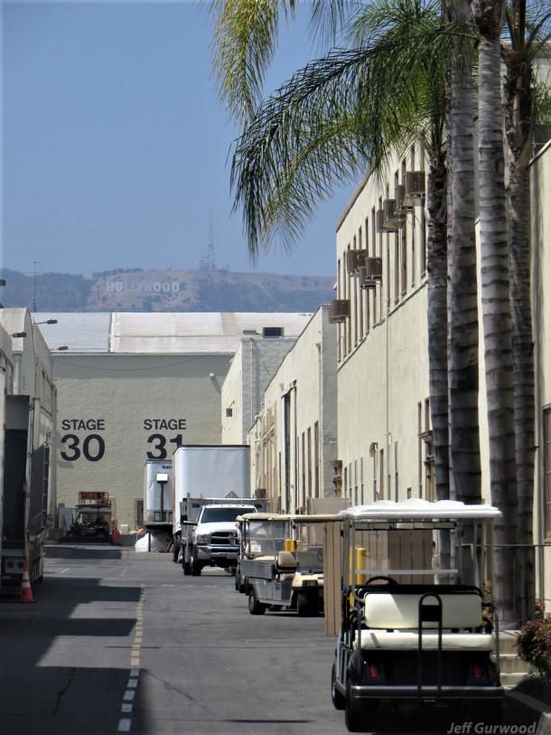 Paramount Sign 2019