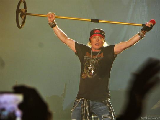 Guns N Roses 11-29-17 Forum (2)