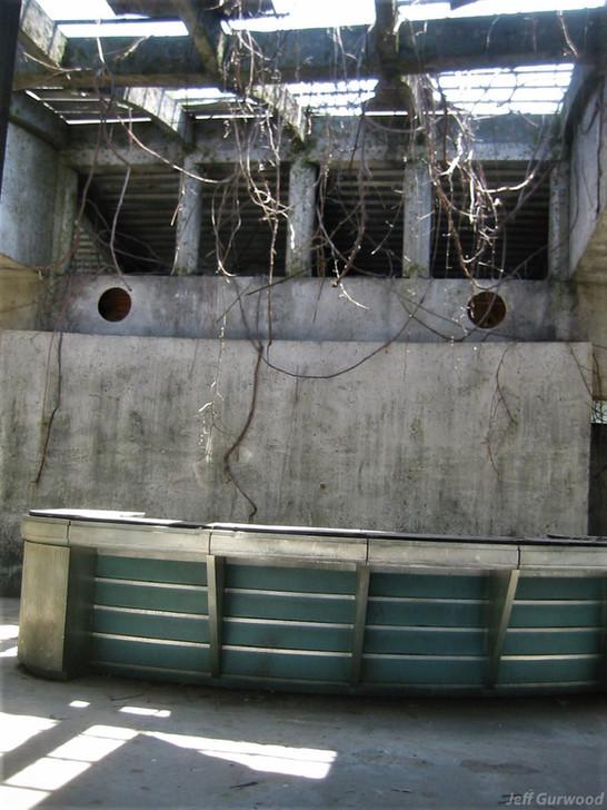 Inside Jurassic set 1 2002