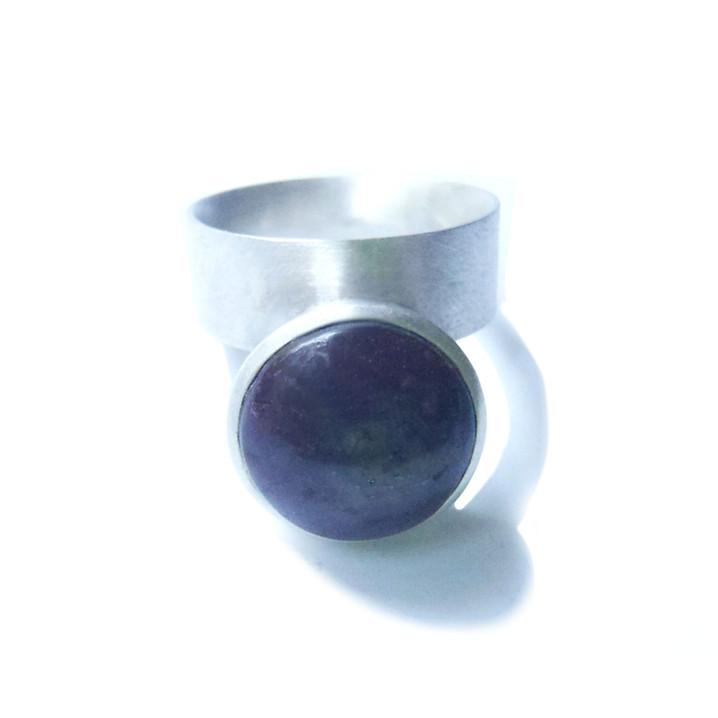monique ring