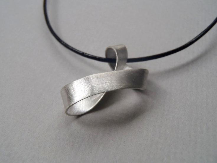 Colgante Möbius diseño minimalista!