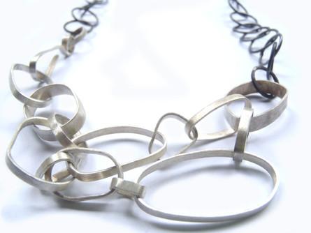 collar bisel y cadena redonda