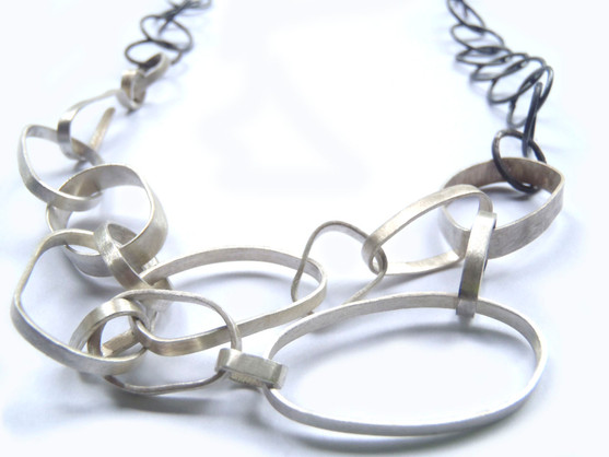 bezel and round chain necklace