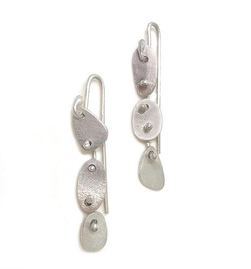 Small articulated ameba earrings!