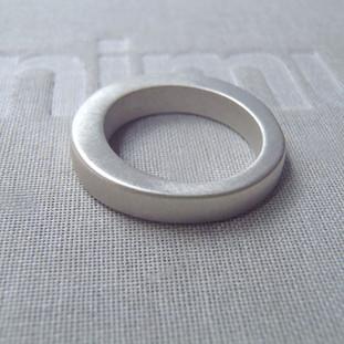 round irregular thick solid ring