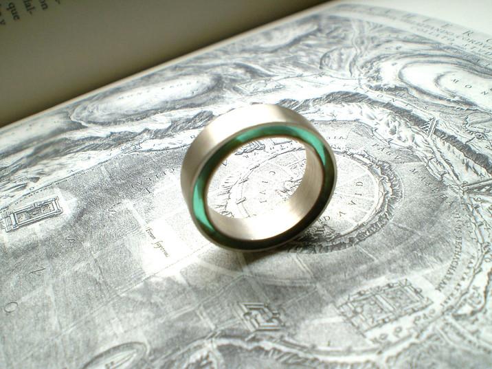 anillo concéntrico verde