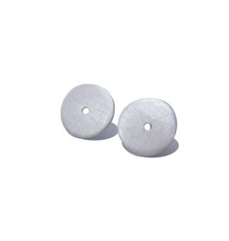 pequeños aretes de disco