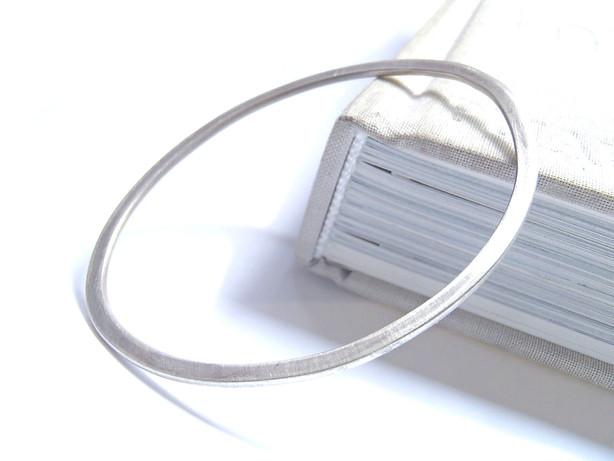brazaletes ovales planos