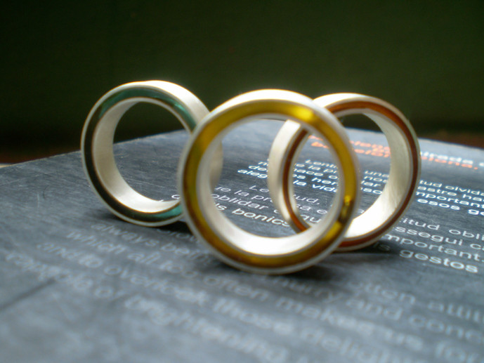 surtido de anillos concéntricos