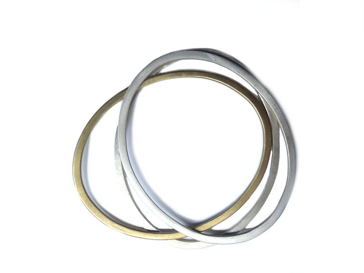Set of oval flat stacking bangles!