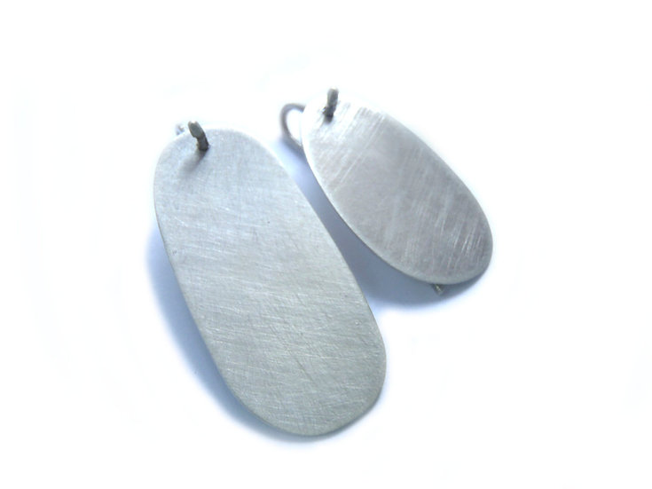 Irregular oval mismatched long flat earrings!