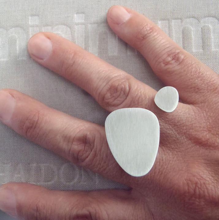 anillo doble amorfo