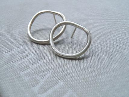 aretes círculos irregulares asimétricos