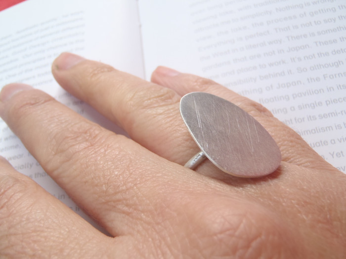 anillo sencillo amorfo