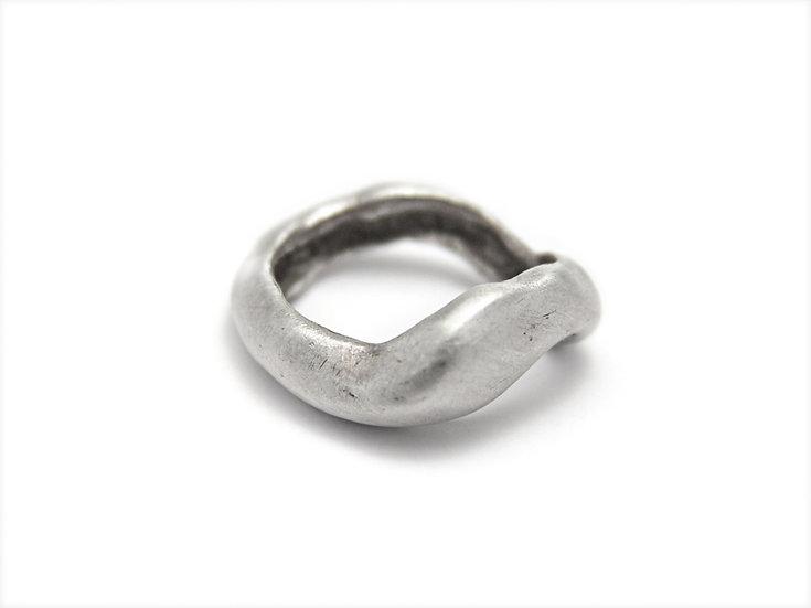 Organic ring minimal design, limited edition!