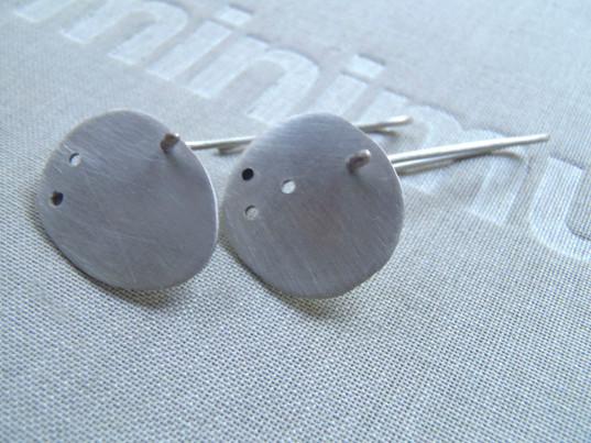 amorphous pierced dangle earrings