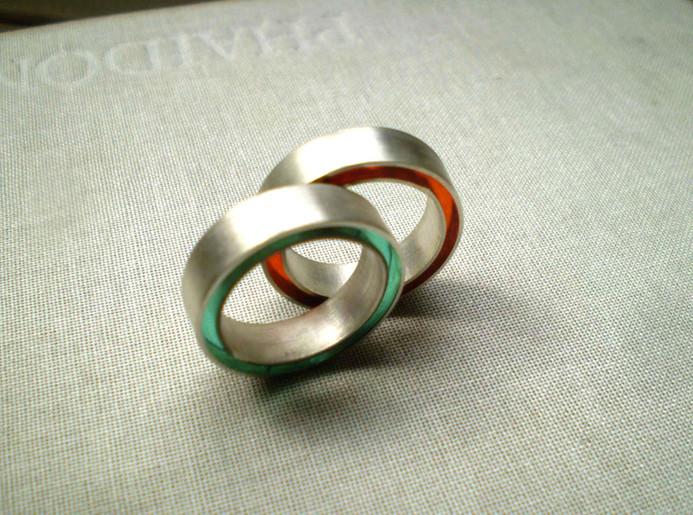 anillos concéntricos en verde y rojo