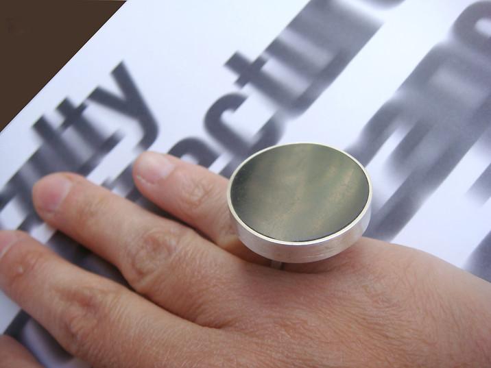 anillo círculo resina negra