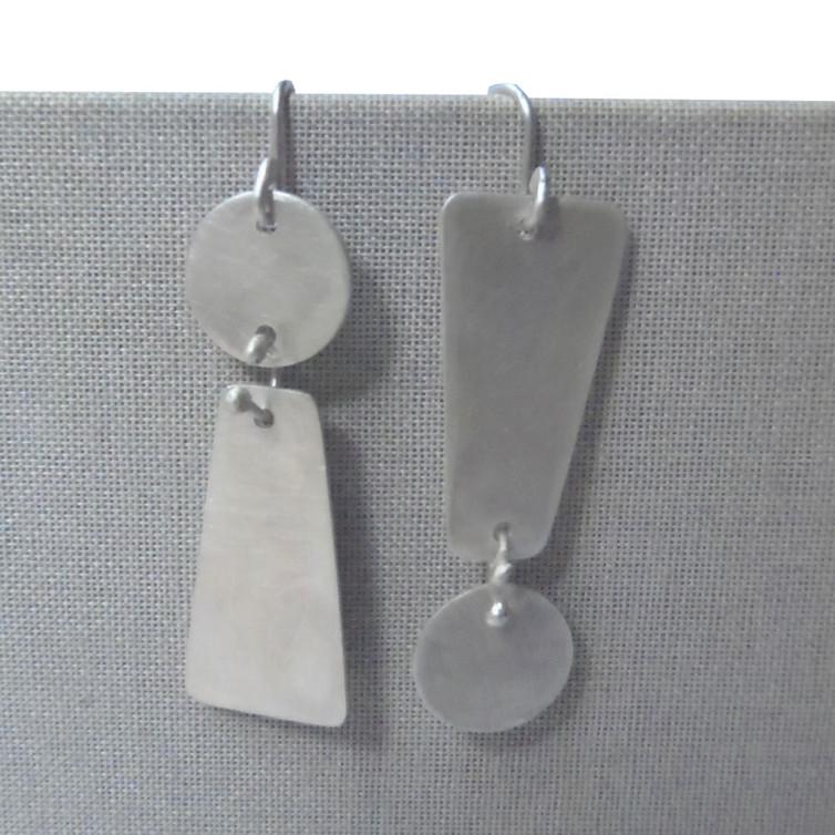 dangle exclamation mark earrings