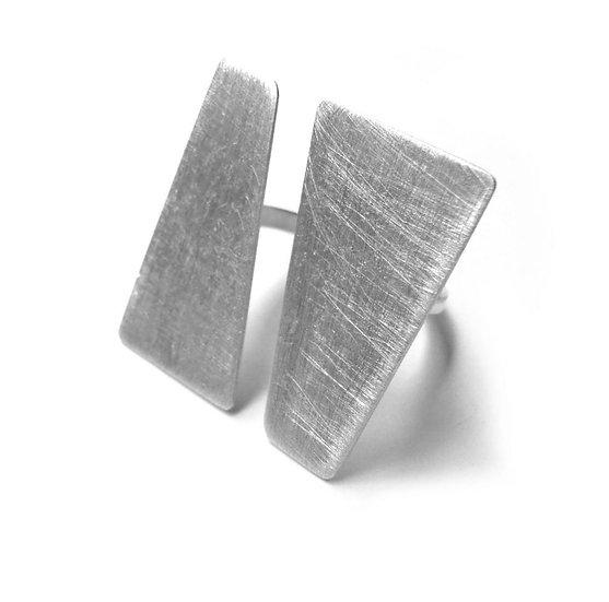 Anillo planos paralelos minimalista en plata reciclada mate