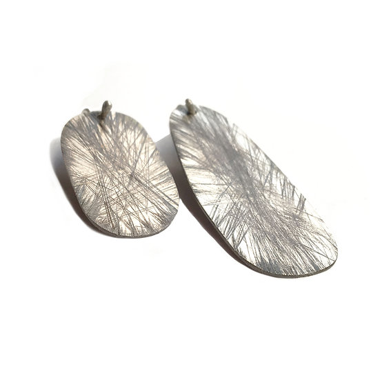 Irregular oval mismatched texture flat earrings!