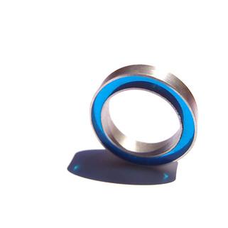 anillo concéntrico azul