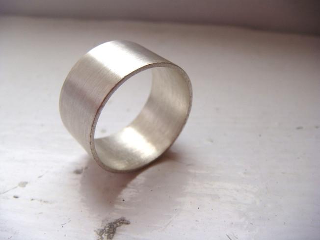 wide irregular ring