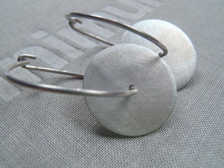 Disc hoop earrings, minimal flat design!