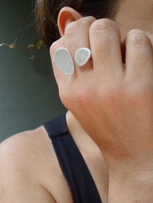 anillo guijaros