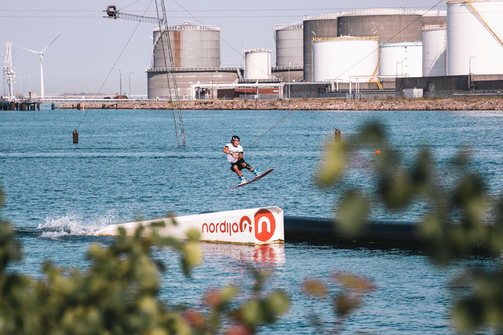 wakeboard dm1.jpg