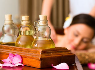 woman-getting-massage-with-oils.jpg.653x