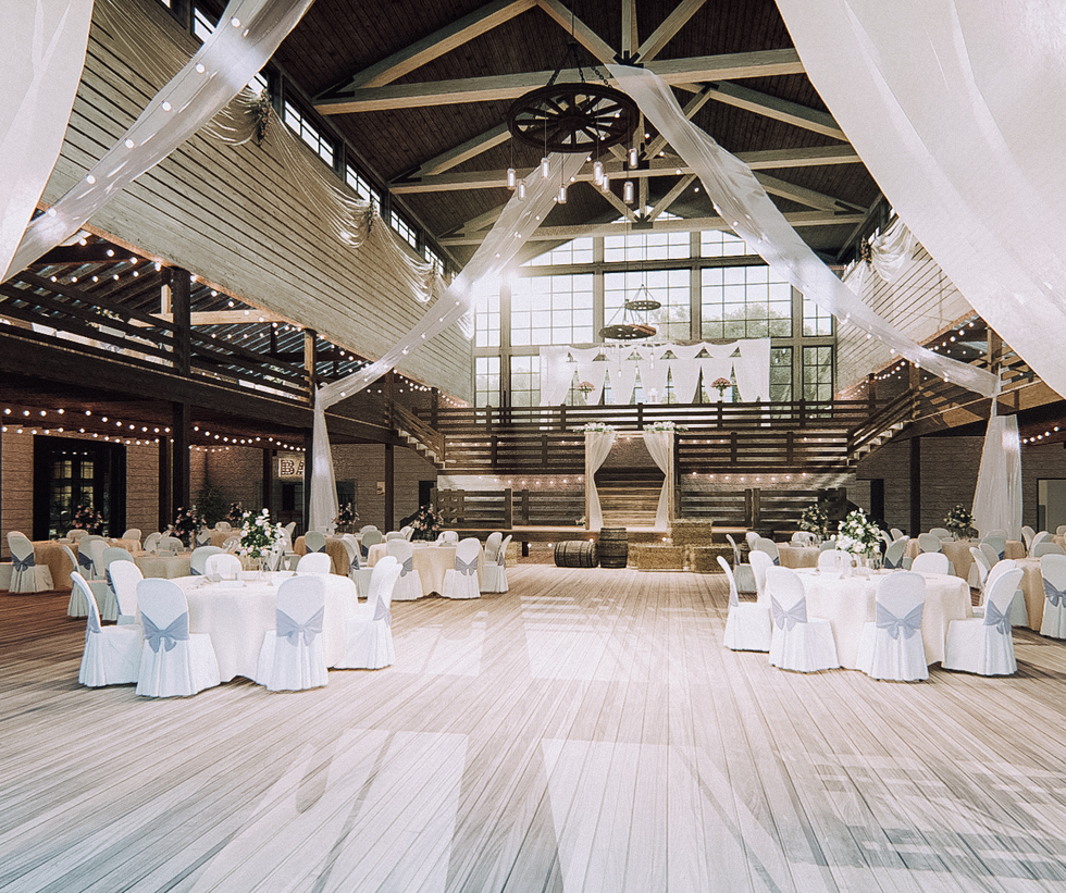 Rustic Barn Venue (6 of 12).png