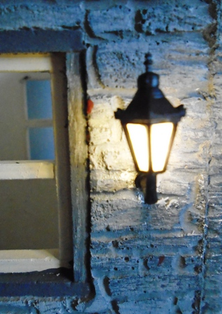 Small Working Wall Light
