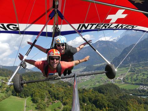Hang gliding in Switzerland 😳