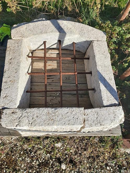 Cornice in pietra per finestra COR81