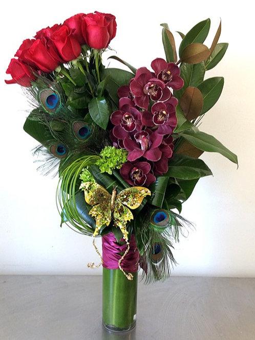 Modern Glamor Dozen Roses