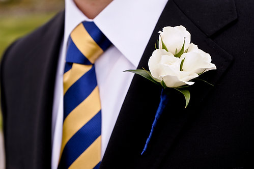 Grooms Boutonnieres 3 Mini Roses