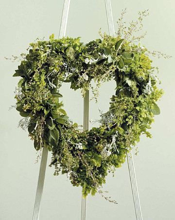 Heart Wreath - Descrete