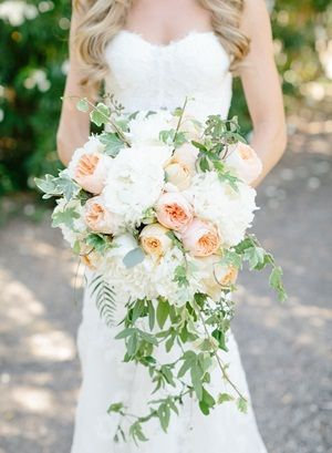 Loose Country Bridal Bouquet