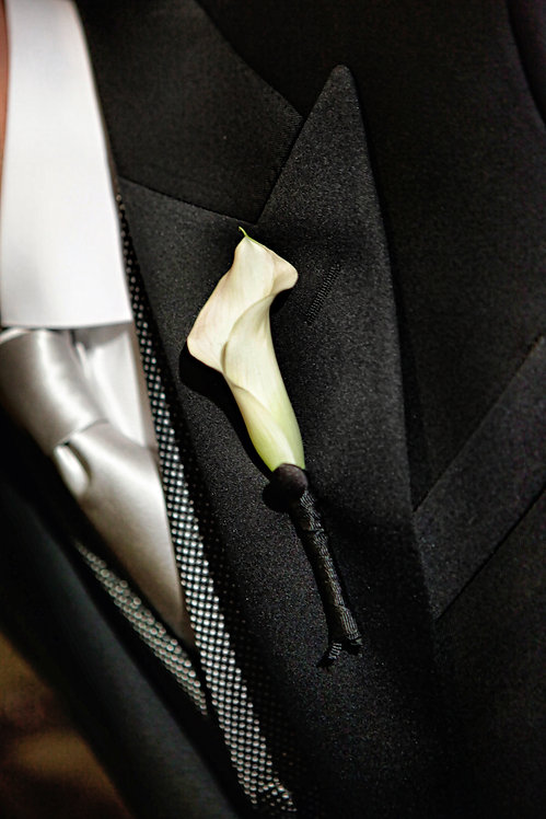 Grooms Boutonniere Single Calla Lily