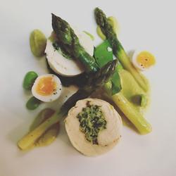 Asparagus, wild garlic, chicken