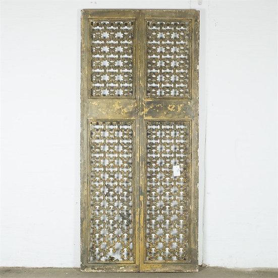 Dörrar snidade