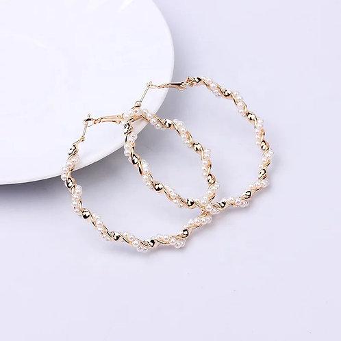 Twisted Pearl Hoop Earring